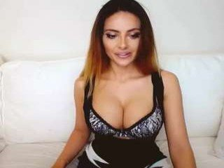 ridersara beautiful webcam babe gets her ass fucked from behind