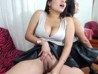 isabelhills spanish cam babe gets her pussy sodomized