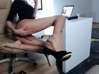 69star69 cam babe gets her ass fucked hard