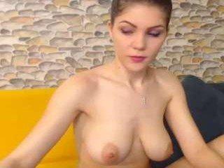 dyanne18 spanish cam babe gets her asshole ohmibod sodomized