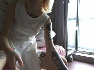 lana-lana03 european cam babe offers her shaved pussy for live sex experiments online