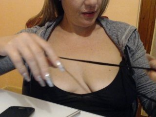 elsa29 italian cam girl is ready to get her shaved pussy plowed hard online