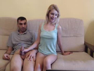 danamily cam babe gets her pussy penetrated hard