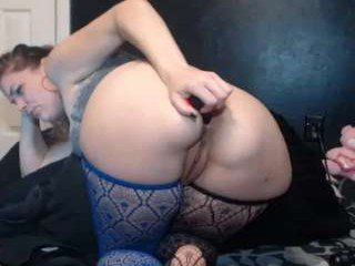 vanessacumminghard white cam babe blows and get anal