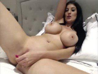 bigboobiebabex cam girl offers her bald pussy for deep masturbate on XXX cam