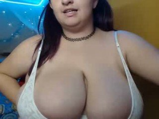 aliceinboobieland french pregnant cam girl showing his body erotically