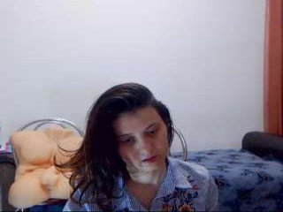 lina_diamond cam girl showing piss-hole closeups and spreading online