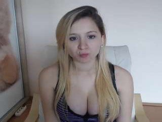 cute00kiara european cam babe wants taking cum into her orgasming slit in outdoor live sex act