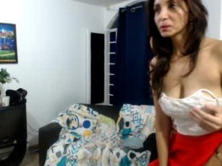 x_girl_x slim cam babe playing with a anal ass hole