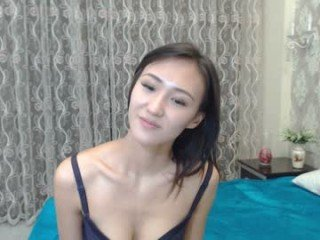 cleo_lalana cam babe gets her pussy penetrated hard