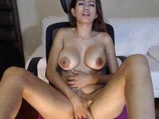 christymoorex cam girl strong fucked in the pink ass