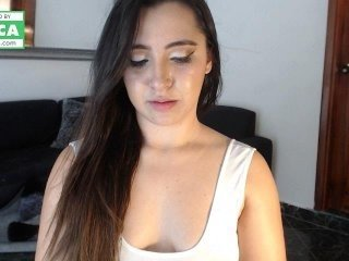 zaramack spanish cam girl rubs her shaved pussy nice on camera