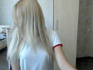 niceblondgrl slim cam babe with shaved pussy ready for everything online