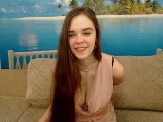 pandochka178 french pregnant cam girl showing his body erotically
