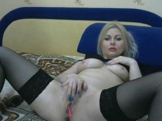 emiliiaaa european cam girl gets banged hard with ohmibod