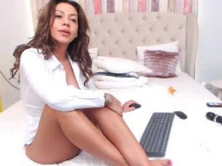claireashton blonde cam girl didn't forget about any live sex toy