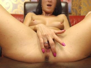 evakitty99 cam girl loves when guys lick her shaved pussy and then fuck her in the ass